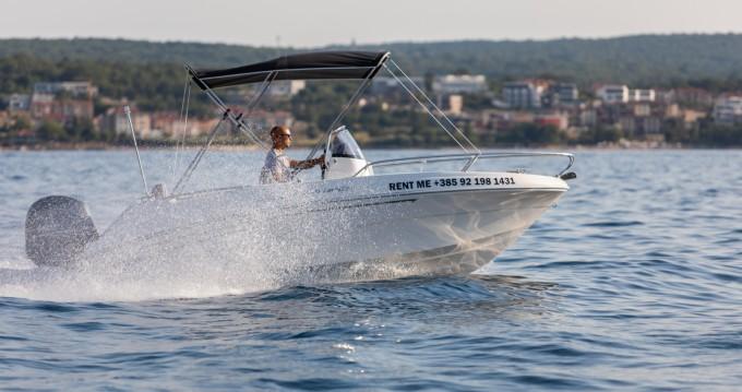 Louer Bateau à moteur avec ou sans skipper AM Yacht à Malinska-Dubašnica