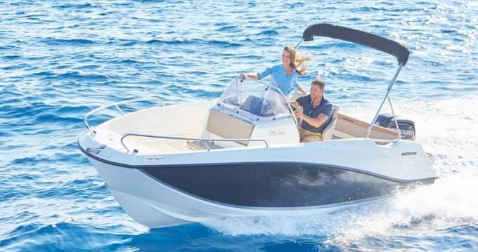 Location bateau Quicksilver Activ 555 Open à Gruissan sur Samboat