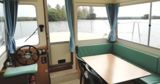 Location bateau Carnon-Plage pas cher Eau Claire 930 Fly