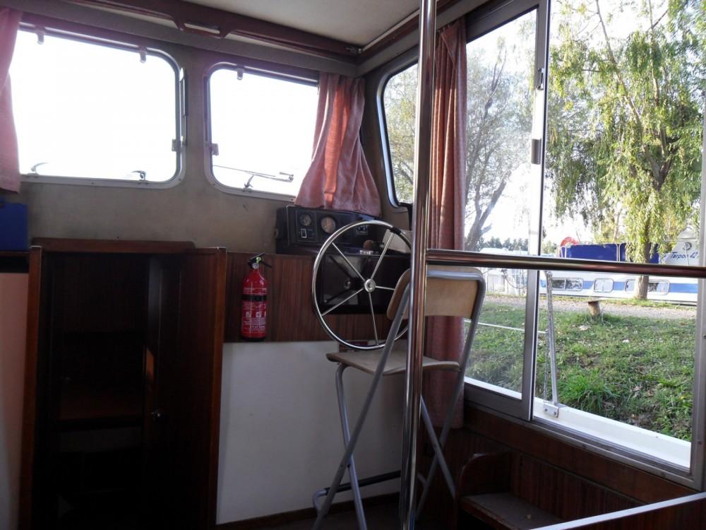 Bootverhuur Les Canalous Pénichette 935 W in Languimberg via SamBoat