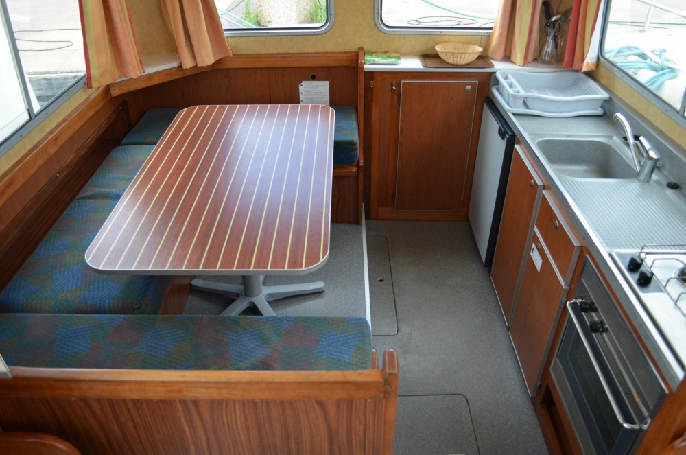 Rental yacht Luzech - Les Canalous Pénichette 1107W on SamBoat