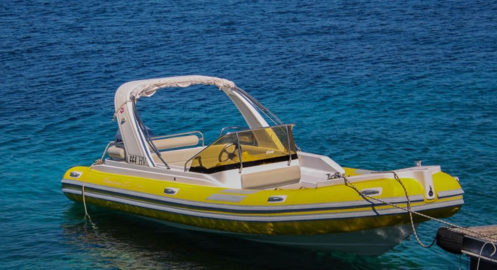 Rubberboot te huur in Hvar voor de beste prijs