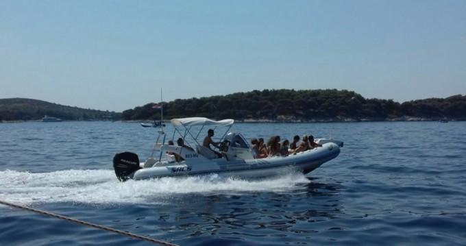 Location bateau Sacs 78 à Hvar sur Samboat