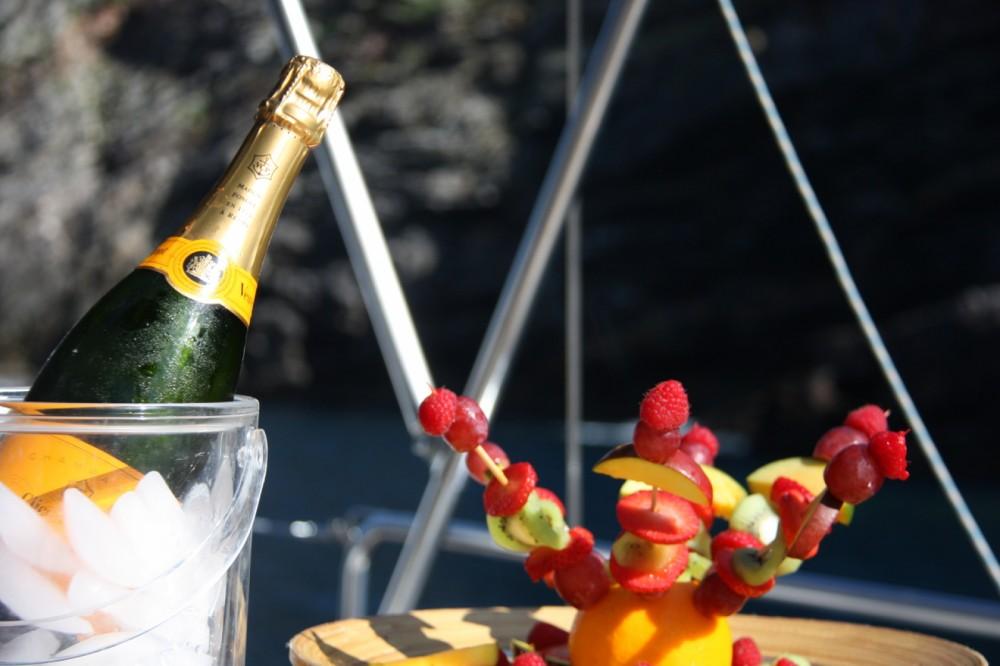 Louez un modern Sailing Ketch CT56 à Santa Eulària des Riu