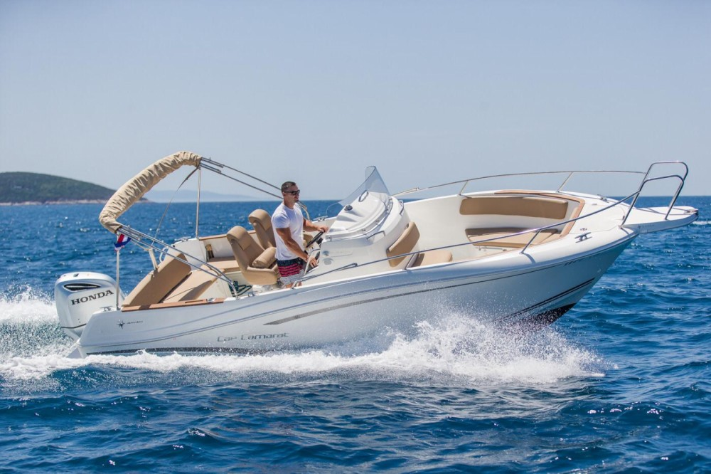 Hire Motor boat with or without skipper Jeanneau Trogir