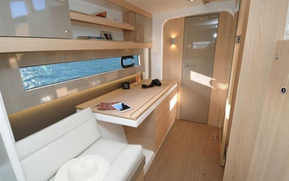 Huur Catamaran met of zonder schipper Bali Catamarans in Baie Sainte Anne