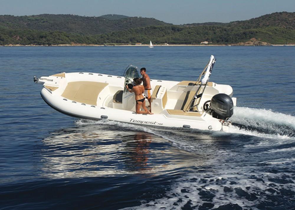 Bootverhuur Capelli Tempest 700 in Marseille via SamBoat
