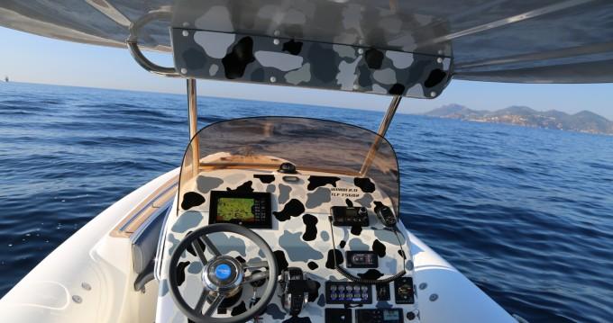 Louez un Wimbi Boats W9 à Port Grimaud