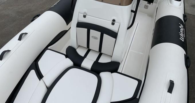 Louez un Wimbi Boats W6 à Port Grimaud