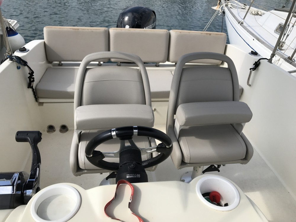 Hire Motor boat with or without skipper Quicksilver Antibes