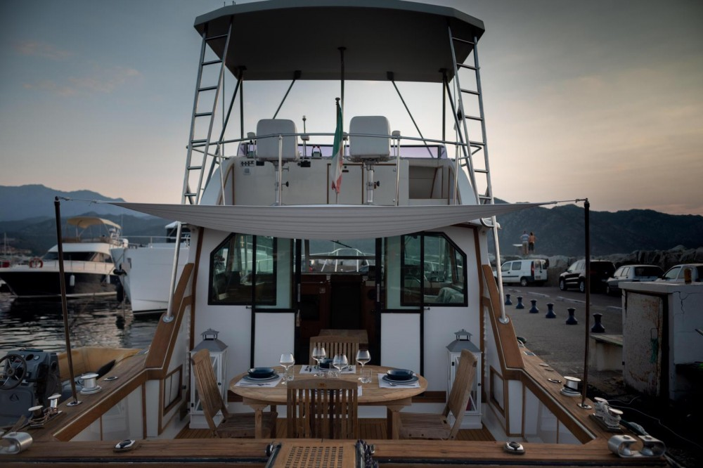 Hire Yacht with or without skipper Bertram Saint-Florent