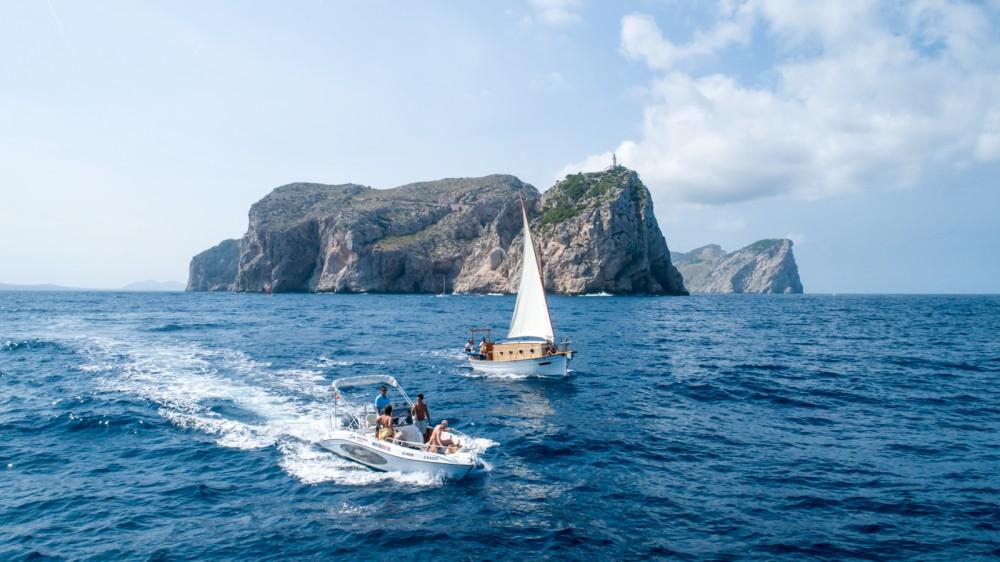 Alquiler de Mano Marine sport fisch 21,50 en Marina de Bonaire