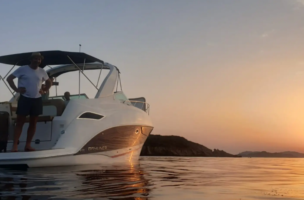 Hire Motor boat with or without skipper Bayliner Hyères