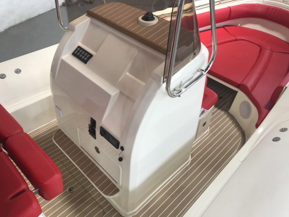 Rental RIB in Port Grimaud - Wimbi Boats W10