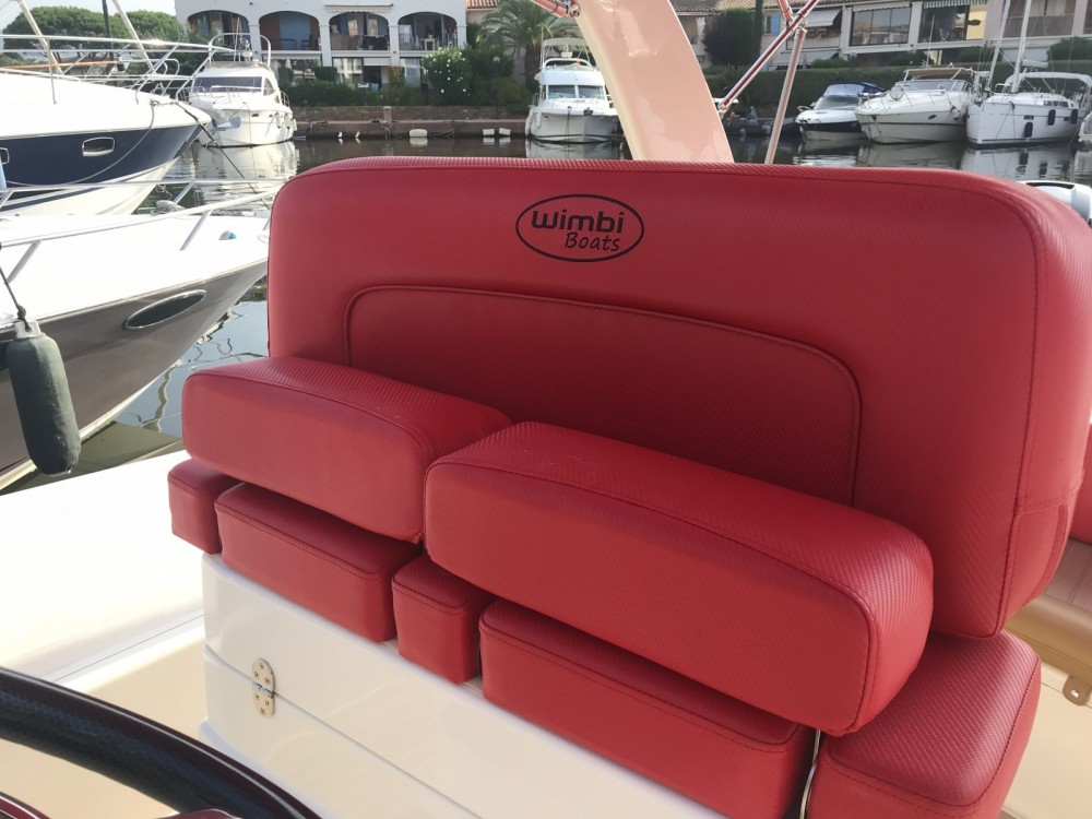 Wimbi Boats W10 between personal and professional Port Grimaud