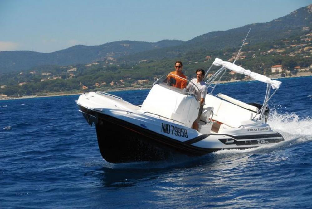 Louer Semi-rigide avec ou sans skipper Zar à Saint-Raphaël