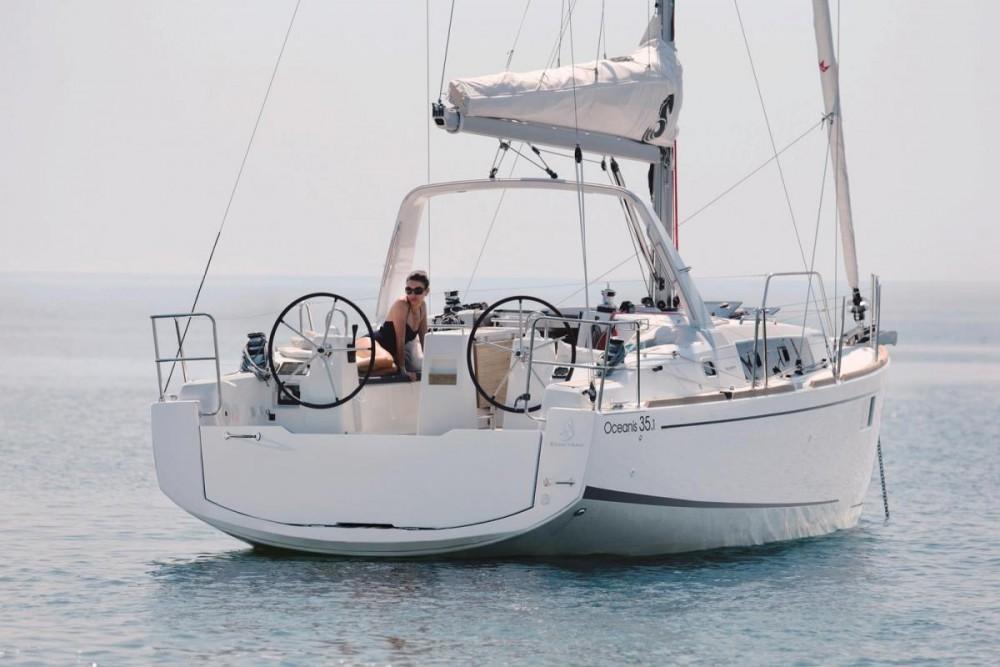 Bénéteau Oceanis 35.1 te huur van particulier of professional in Pirovac