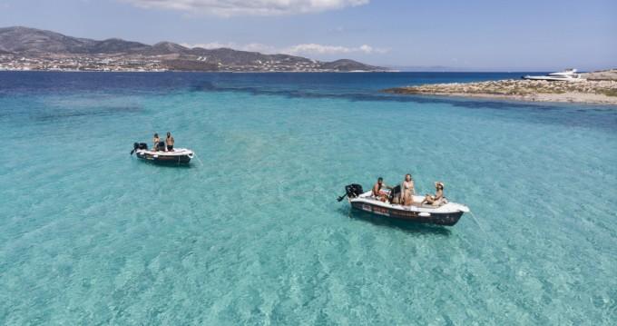 Louer Bateau à moteur avec ou sans skipper The Sailor's Ride à Paros