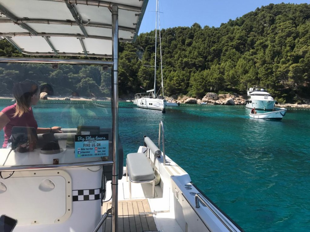 Boat rental Hvar cheap 31