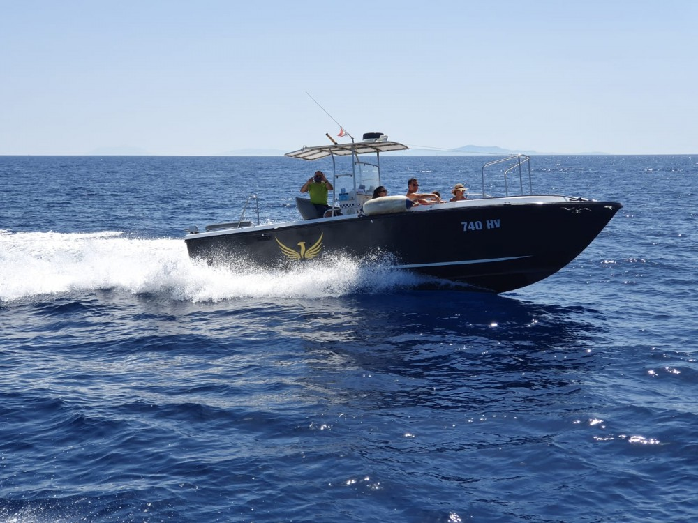 Hire Motor boat with or without skipper Phoenix Hvar