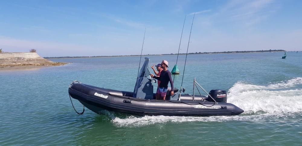 Location bateau Bombard Sunrider 550 à La Flotte sur Samboat