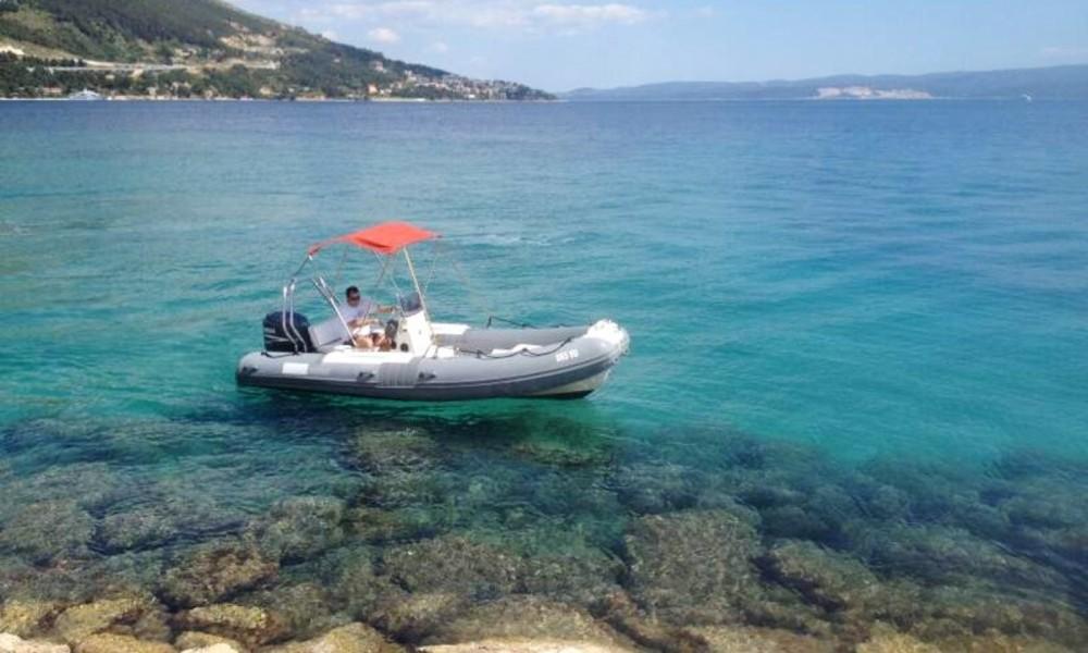 Huur Rubberboot met of zonder schipper Bwa in Omiš