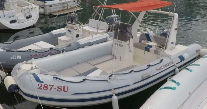 Location bateau Novomar NM 580 à Omiš sur Samboat