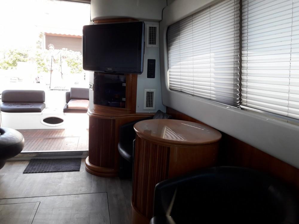Rental yacht Le Grau-du-Roi - Azimut Azimut 46 on SamBoat