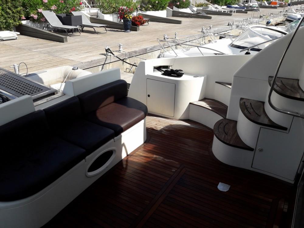 Alquiler de barcos Azimut Azimut 46 enLe Grau-du-Roi en Samboat