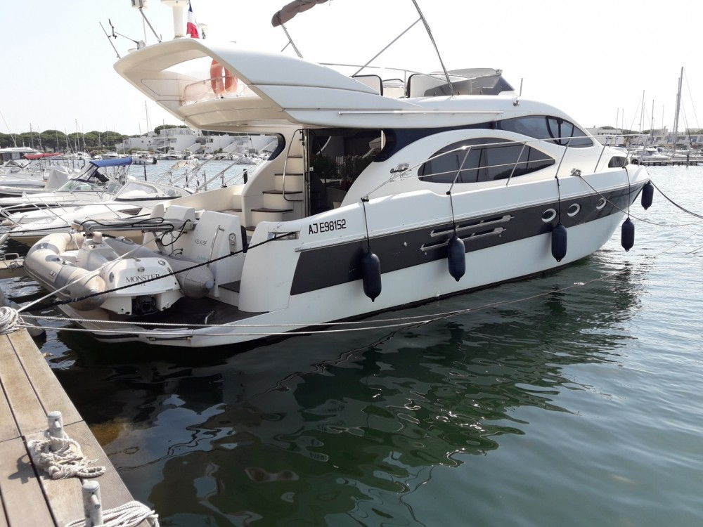 Motor boat for rent Le Grau-du-Roi at the best price