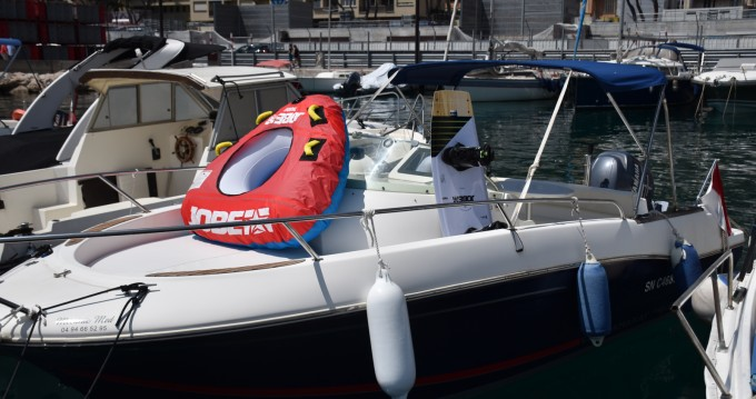 Louer Bateau à moteur avec ou sans skipper Jeanneau à Monaco