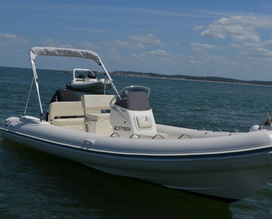 Boat rental Cogolin cheap NJ 630 GT