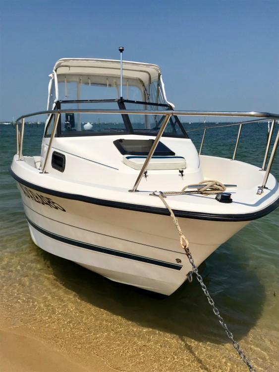 Louer Bateau à moteur avec ou sans skipper Bayliner à Lège-Cap-Ferret
