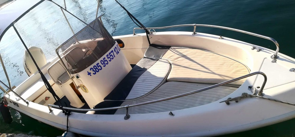 Noleggio Barca a motore con o senza skipper Beluga Pola