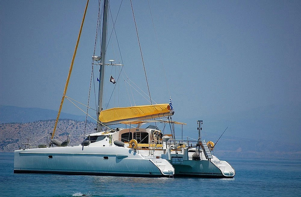 Bootverhuur Fountaine Pajot Lavezzi 40 in Marina de Alimos via SamBoat