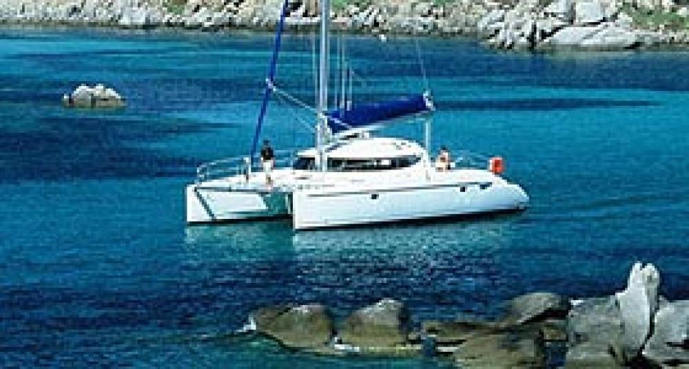 Verhuur Catamaran in Marina de Alimos - Fountaine Pajot Lavezzi 40