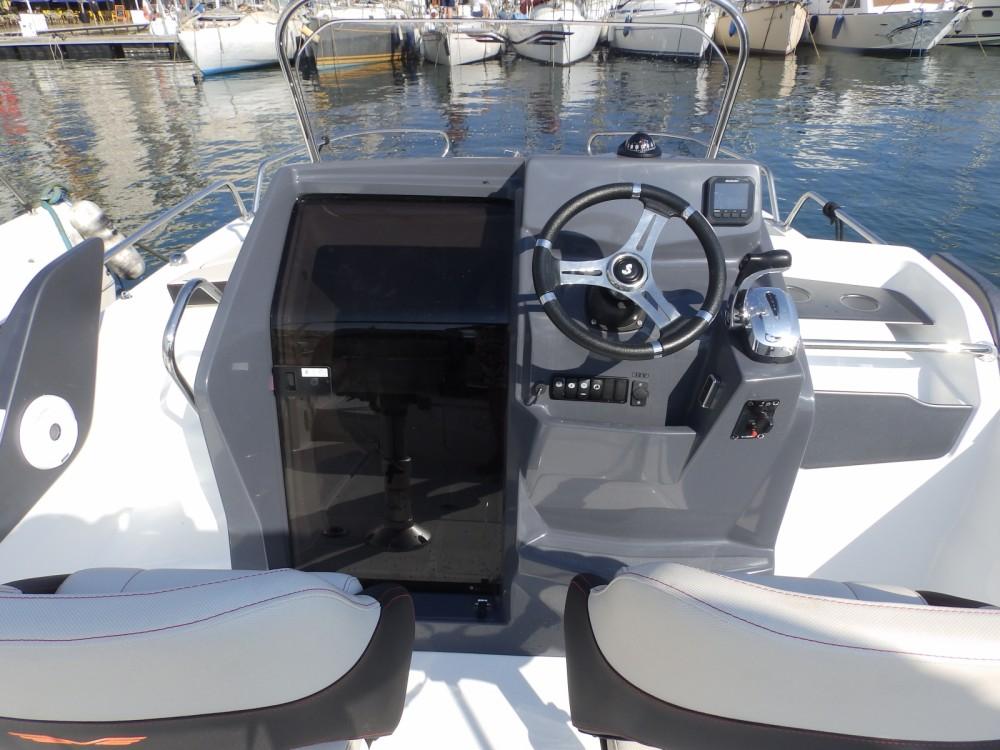 Jachthuur in Toulon - Bénéteau Flyer 6.6 SUNdeck via SamBoat