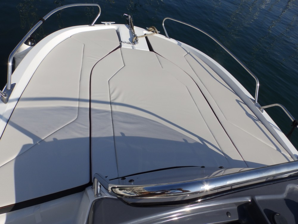 Bénéteau Flyer 6.6 SUNdeck between personal and professional Toulon