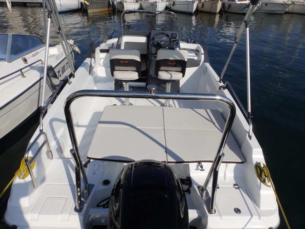 Louer Bateau à moteur avec ou sans skipper Bénéteau à Toulon