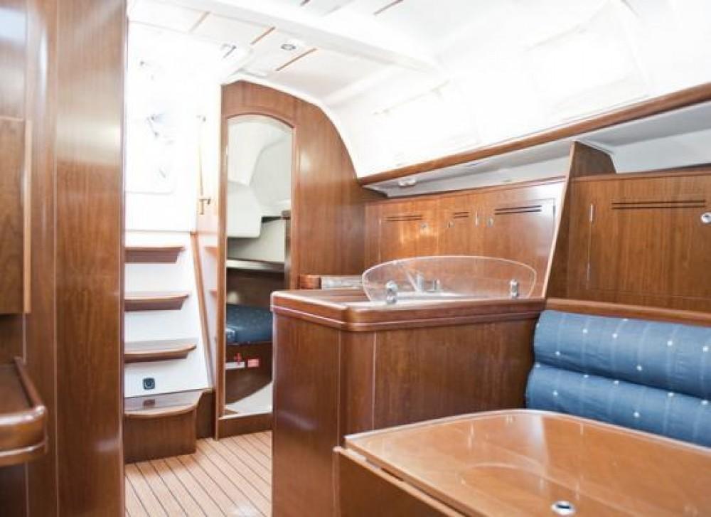 Bootverhuur  Oceanis 343 in Saint-Mandrier-sur-Mer via SamBoat
