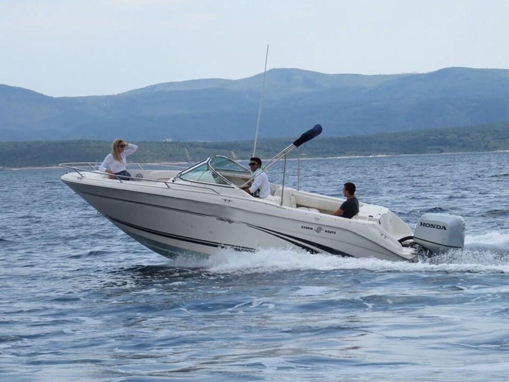 Location yacht à Bol - Sea Ray  H 210 sur SamBoat