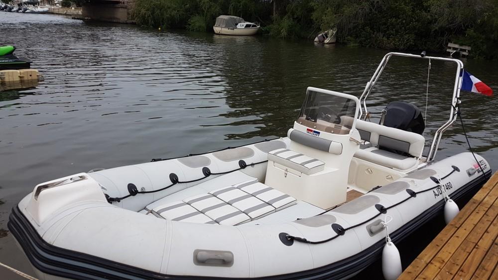 Rubberboot te huur in Saint-Florent voor de beste prijs