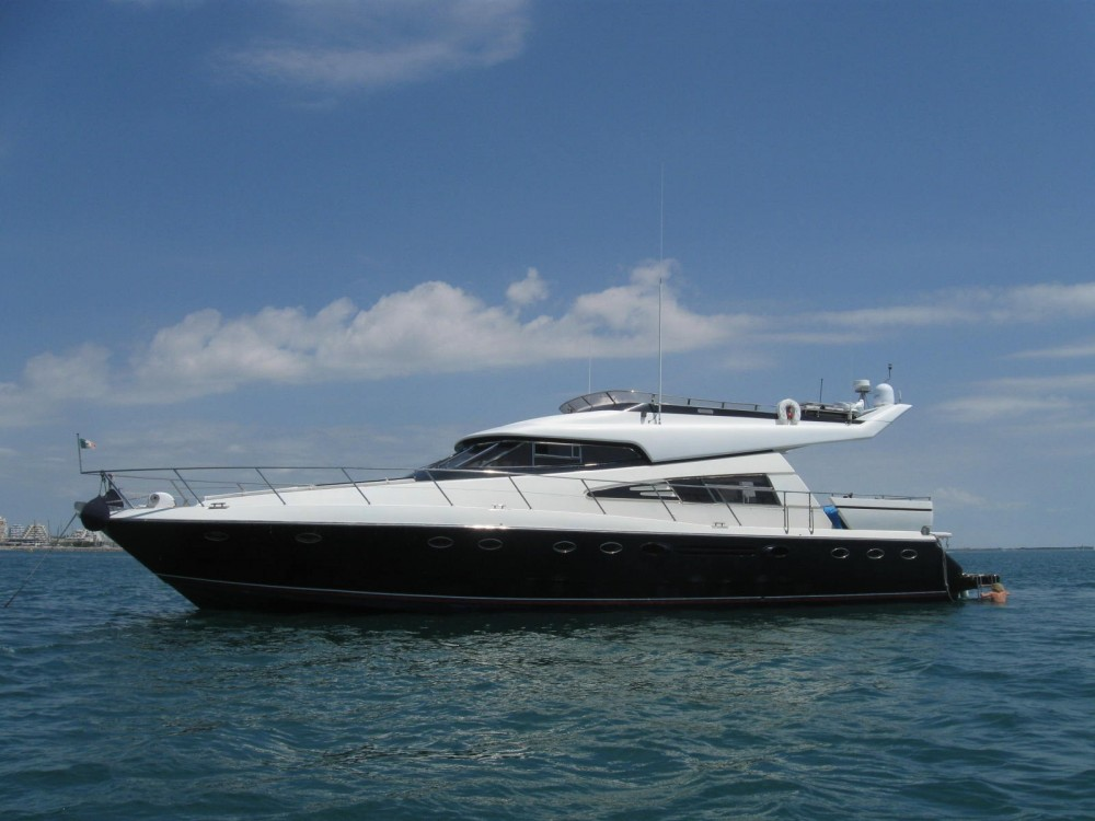 Johnson 65 te huur van particulier of professional in Cannes