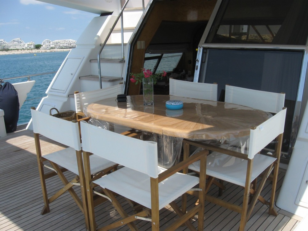 Rent a Johnson 65 Porto-Vecchio