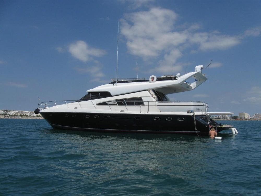 Location yacht à Cannes - Johnson 65 sur SamBoat