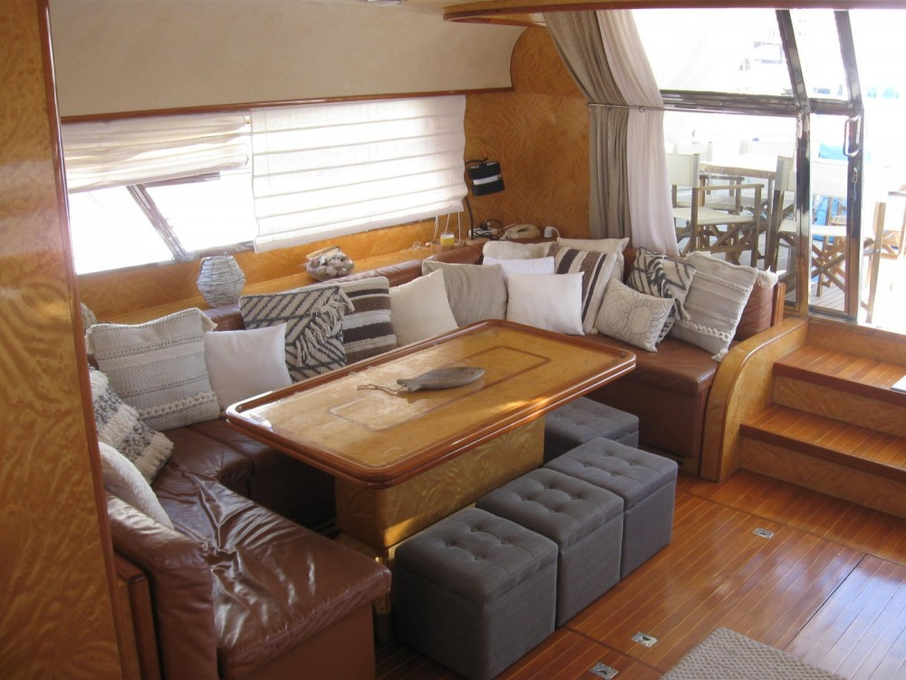 Boat rental Johnson 65 in Porto-Vecchio on Samboat