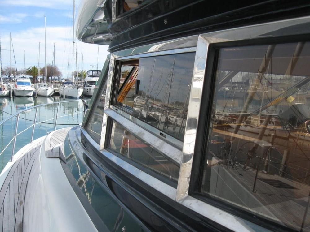 Jachthuur in Cannes - Johnson 65 via SamBoat