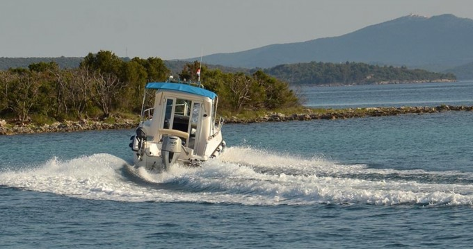 Louer Bateau à moteur avec ou sans skipper Reful à Ugljan