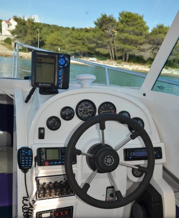 Location bateau  pas cher 700