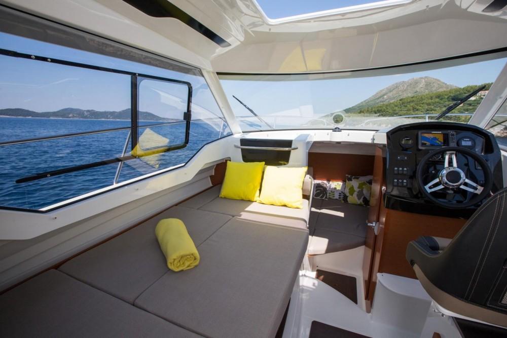 Huur Motorboot met of zonder schipper Jeanneau in Saint-Mandrier-sur-Mer
